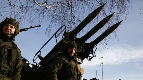 Polnische Soldaten bei der Einweihungszeremonie der bilateralen Militärinitiative