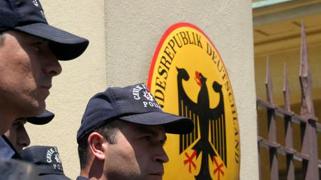 Deutsche Botschaft in Ankara, Türkei, 17. Juni 2005.