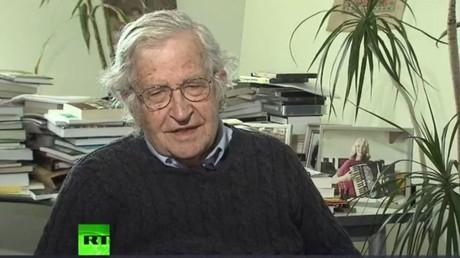 Böse, böse: Noam Chomsky im RT-Interview zum Thema
