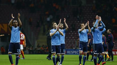 Spieler von Lazio Rom nach einer Begegnung in der UEFA Europa League.