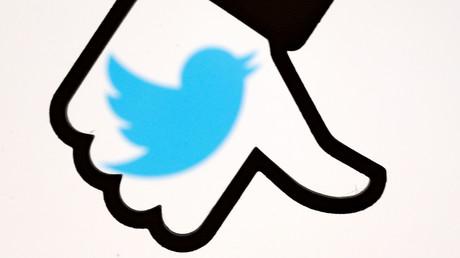Twitter senkt bei RT den Daumen.