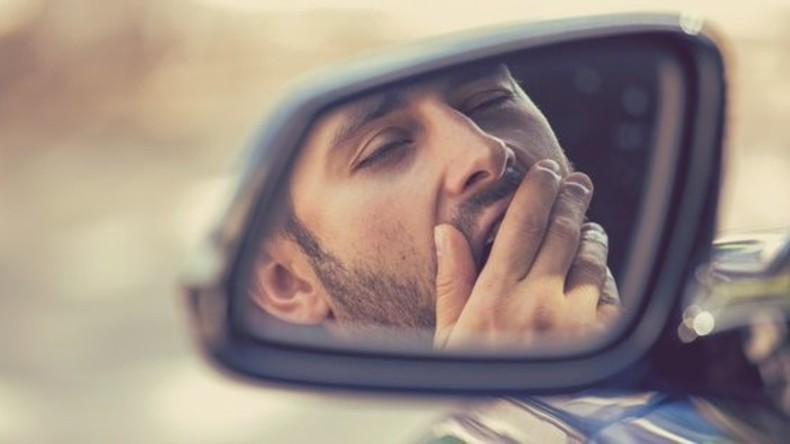 A19: Autofahrer schläft zweimal am Steuer ein – nur knapp dem Tod entkommen