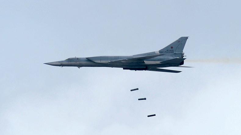 Russische Langstreckenbomber fliegen Luftschläge auf IS-Stellungen in Syrien
