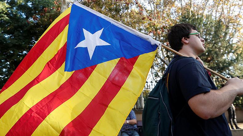 LIVE: Unterstützer der Unabhängigkeit Kataloniens protestieren in Barcelona