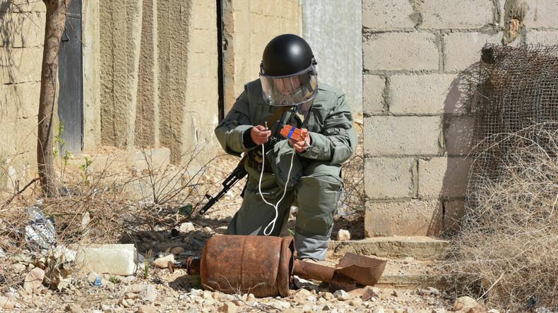 Russische Militärpioniere machen 25 Hektar in Deir ez-Zor minenfrei
