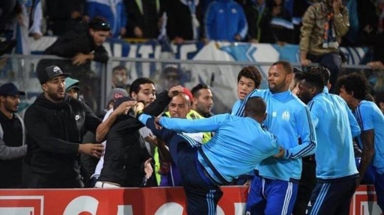 Wie weiland Eric Cantona: Französischer Fußballer mit Karatekick gegen Fan