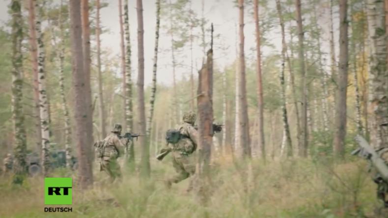 Grafenwöhr: Feuer frei - US-Soldaten halten massives Gefechts-Training im bayerischem Waldgebiet ab