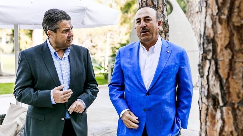 Sigmar Gabriel trifft seinen Amtskollegen in Antalya