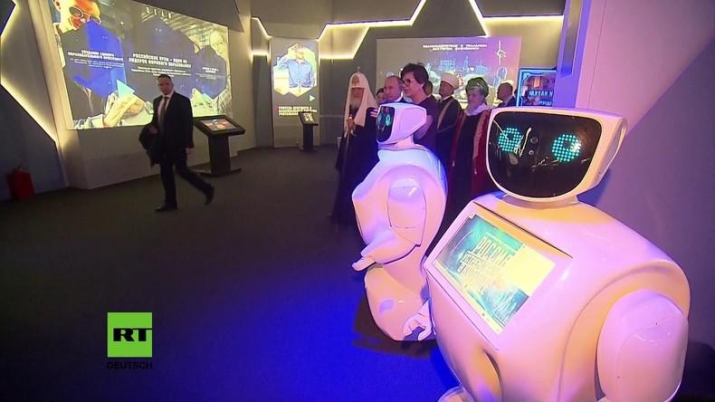 """Wladimir Putin besuchte Ausstellung """"Russland mit Schwerpunkt Zukunft"""""""