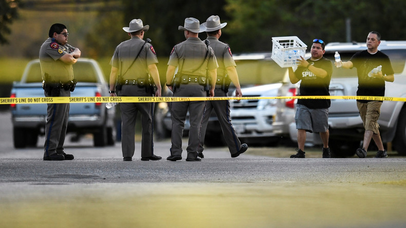 Massaker in Texas: Medien nennen Identität des Verdächtigen [Video]