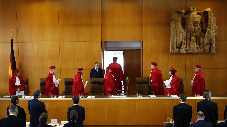 Bundesverfassungsgericht fordert drittes Geschlecht für Eintrag in Geburtenregister