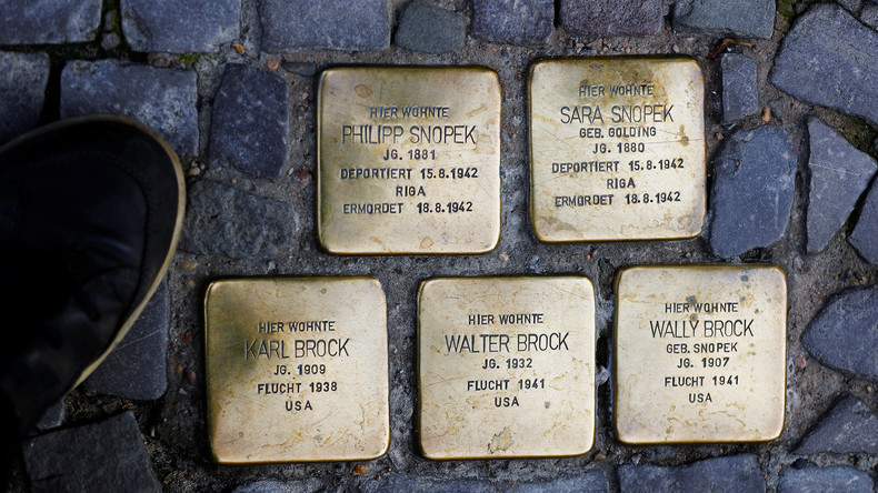 Berlin: Stolpersteine von Straßen in Neukölln gestohlen - Staatsschutz ermittelt