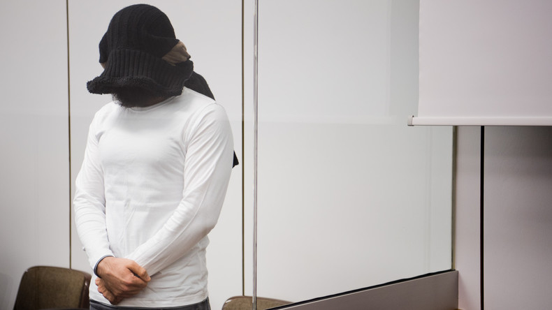 Kronzeuge im Prozess gegen mutmaßlichen IS-Deutschlandchef erhebt Vorwürfe gegen fünf Angeklagte