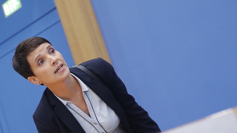 """Live: Frauke Petry präsentiert """"Die Blaue Partei"""" und das Bürgerforum """"Blaue Wende"""""""