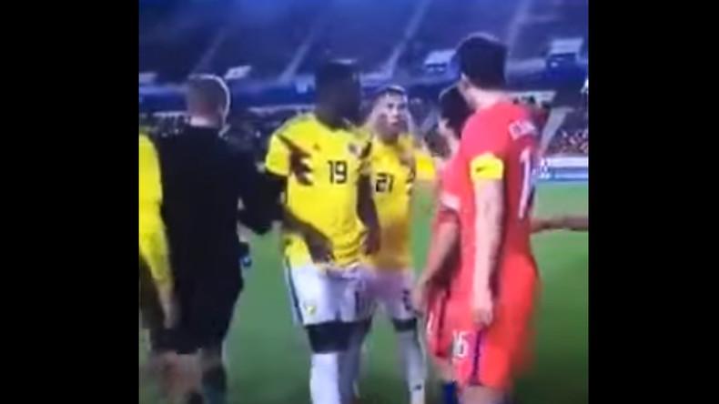 Schlitzaugen-Geste könnte für kolumbianischen Fußballer Folgen haben
