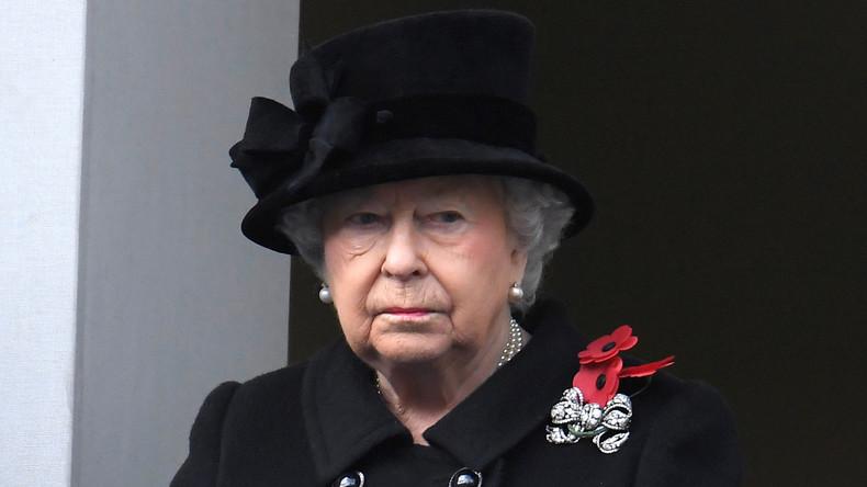 London: Britische Königsfamilie gedenkt gefallener Soldaten