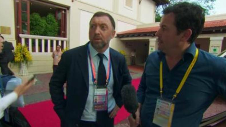 """Verschwinde!"": Russischer Milliardär weist penetranten CNN-Reporter zurecht"