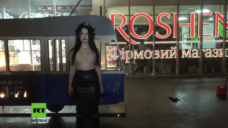 Femen-Aktivistin beschafft Poroschenko eine brennende Tram ins Steuerparadies
