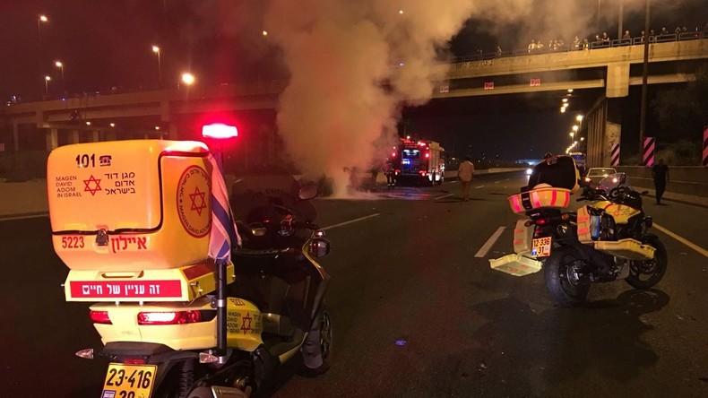 Bombenexplosion in fahrendem Auto in Tel Aviv reißt einen Menschen mit in den Tod
