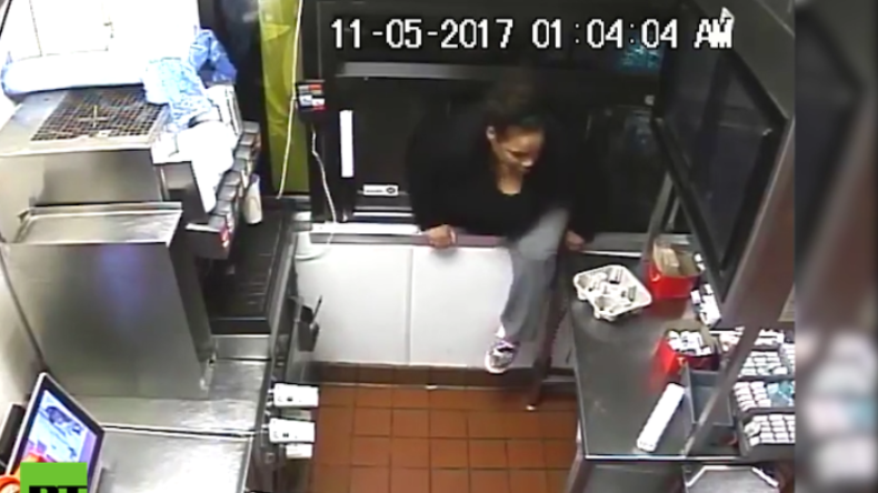 """""""Du bist nicht du, wenn du hungrig bist"""" - Frau steigt in offenes Fenster von McDonalds ein"""