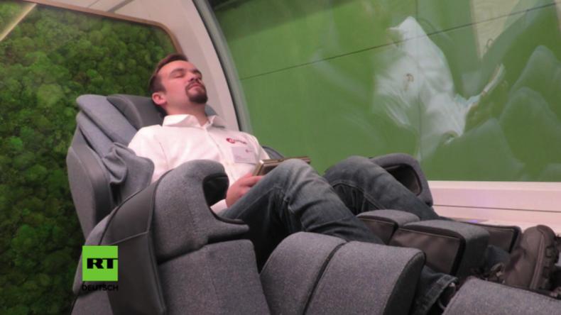 Public Viewing, Fitness-Studio, Massagesessel und Tablets: Deutsche Bahn stellt Zug der Zukunft vor