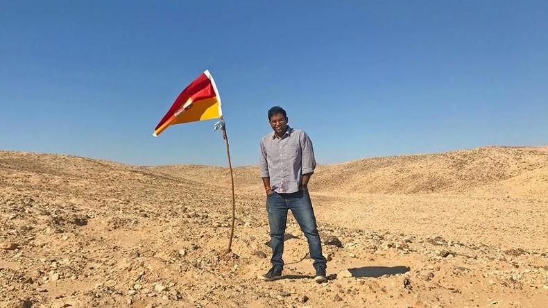 Inder findet Niemandsland zwischen Ägypten und dem Sudan und proklamiert sich zum König