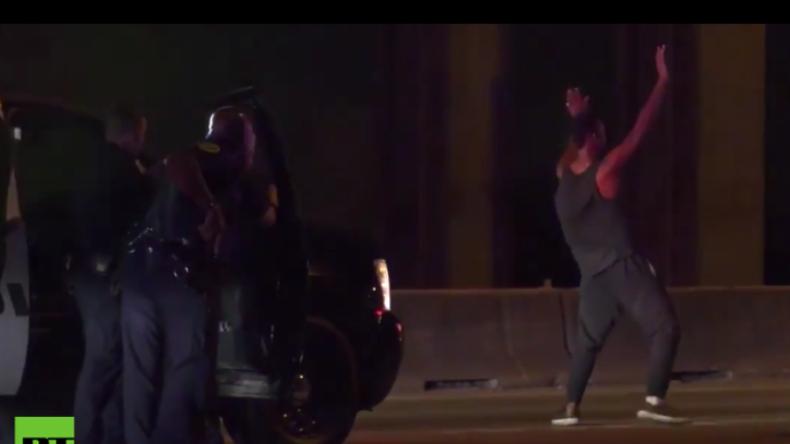 USA: Polizeibefehle in Dance-Moves umgewandelt - Polizei lässt Hund auf tanzenden Raser los