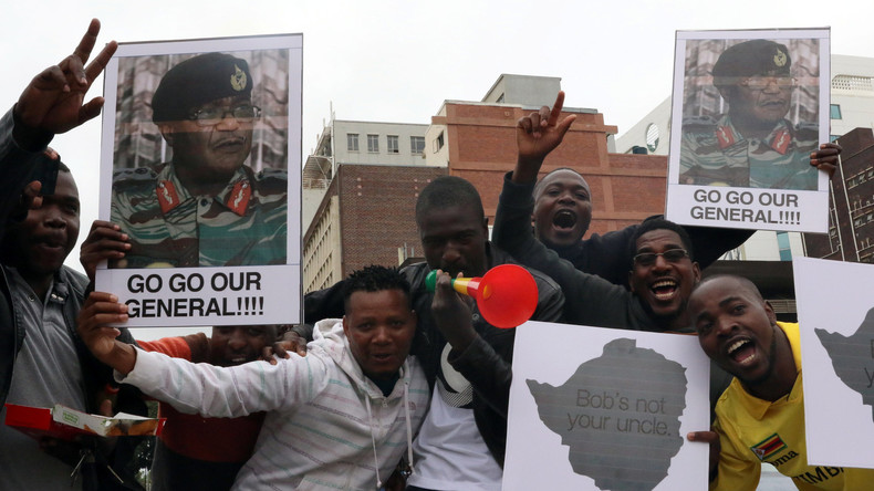 Tausende Demonstranten in Simbabwe fordern Robert Mugabes Rücktritt