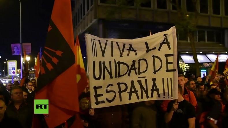 Spanien: Falangisten marschieren zum Jahrestag und zeigen Hitlergruß