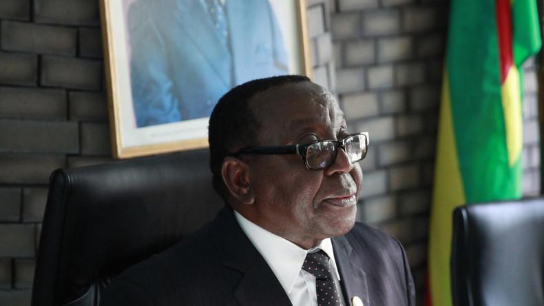 Simbabwes Regierungspartei entmachtet Mugabe - der aber will Präsident bleiben