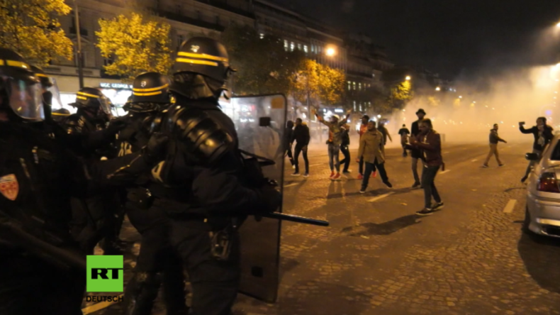 Paris: Polizei geht mit Tränengas und Knüppeln gegen Demonstranten vor libyscher Botschaft vor