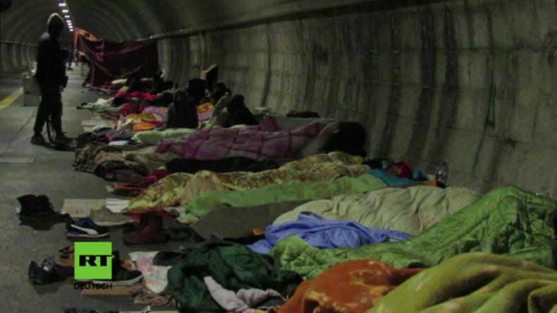 Migrationskrise in Italien - Endstation Obdachlosigkeit: Hunderte Geflüchtete schlafen in Tunnel