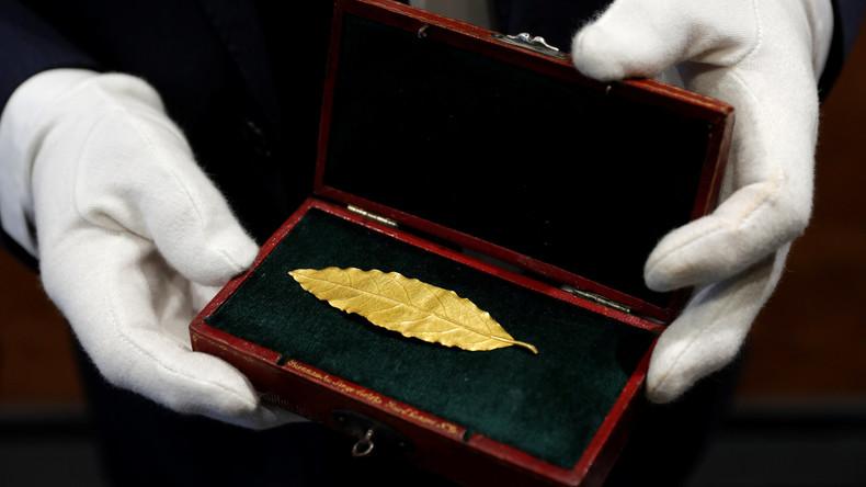 Goldenes Lorbeerblatt aus Napoleons Kranz kommt unter den Hammer