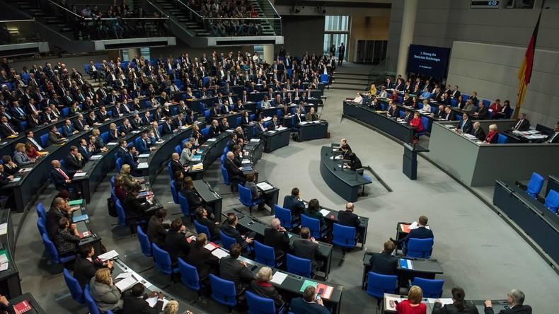 Bundestag nimmt Arbeit auf: Schlagabtausch zwischen SPD und FDP