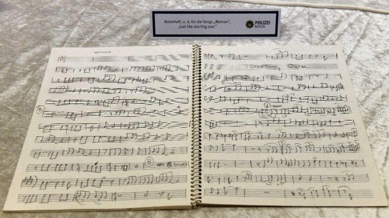 Gestohlene Tagebücher von John Lennon in Berlin entdeckt