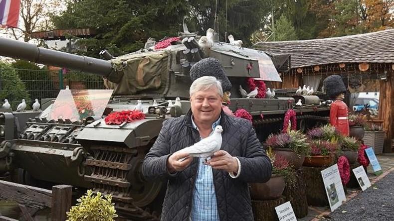 Brite stellt echten Panzer auf Privatgelände in Rheinland-Pfalz aus – Nachbarn nicht beeindruckt