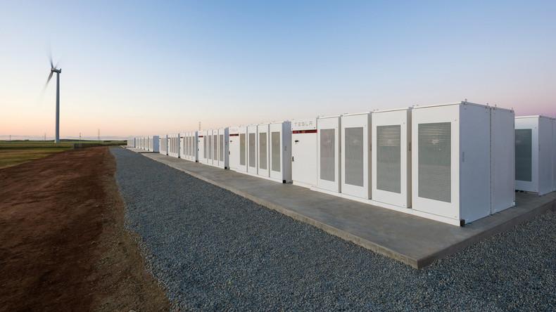 Versprechen eingelöst: Elon Musk baut größten Batteriespeicher der Welt in weniger als 100 Tagen
