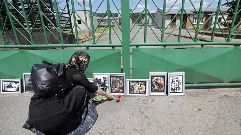 Tschechien: Roma-Gedenkstätte ersetzt Schweinemastauf früherem NS-Lagergelände