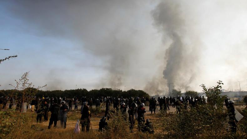 170 Menschen erleiden Verletzungen bei Zusammenstößen zwischen Protestlern und Polizei in Islamabad
