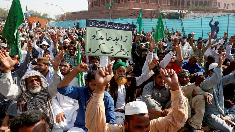 Pakistan: Justizminister tritt nach islamistischen Protesten zurück