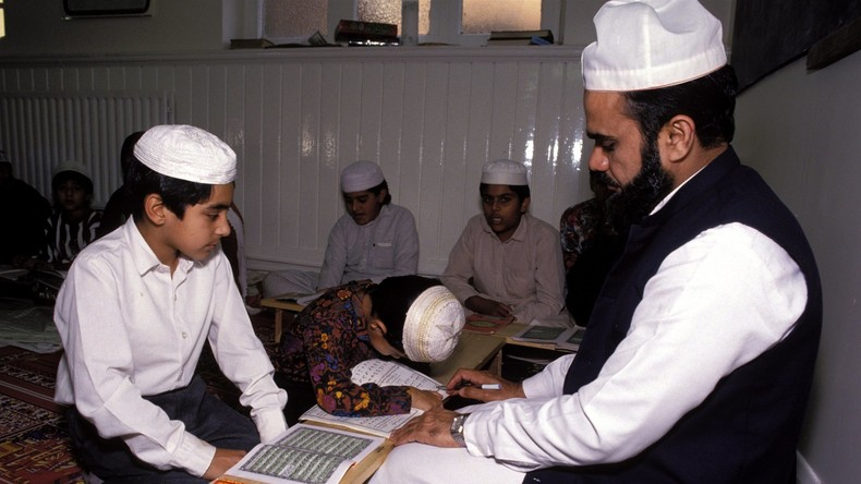 Britische Islam-Schulen: Frauen zu schlagen ist eine Erziehungsmaßnahme