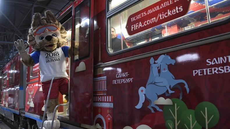 Fußball-WM in Moskau: Neuer Metrowaggon und offizielles Plakat präsentiert