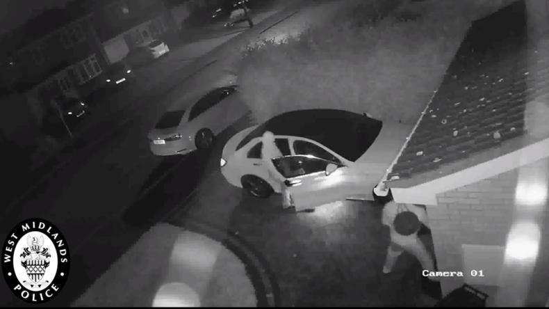 Großbritannien: Autodiebe stehlen in Sekunden Mercedes mithilfe von Hightech