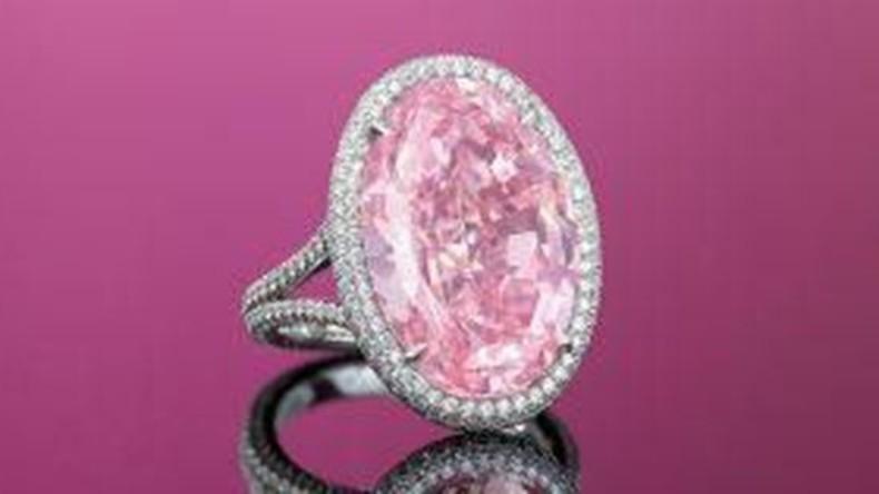 """Diamant """"Pink Promise"""" für 27 Millionen Euro in Hongkong versteigert"""