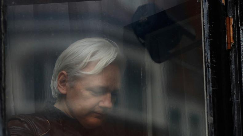 Kein Grund zum Lachen: US-Komiker muss wegen Freundschaft zu Assange vor US-Geheimdienstausschuss