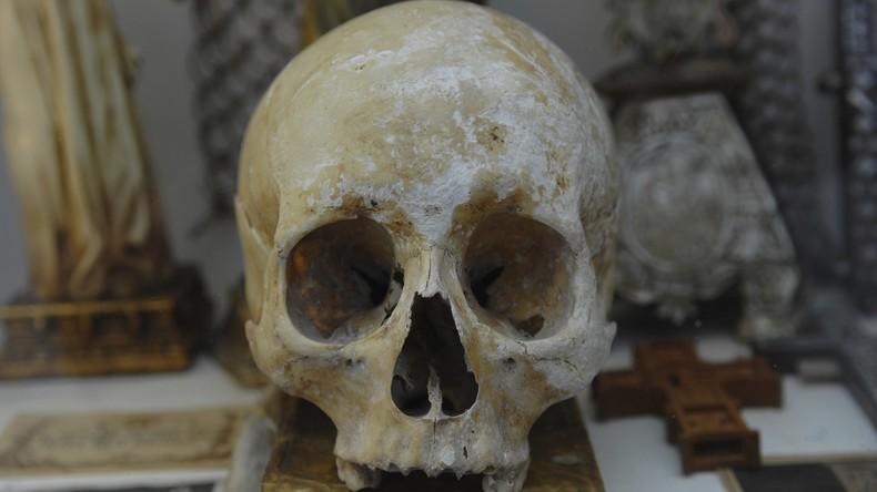90 Schädel aus dem 17. Jahrhundert in Madrid ausgegraben