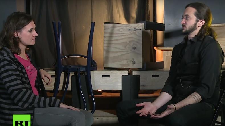 Kabarettist Lee Camp im Interview: US-Wahlsystem ist ein Witz [Video]