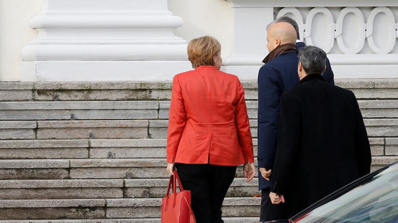 LIVE: Merkel, Schulz, Seehofer treffen Bundespräsident Steinmeier zu GroKo-Gesprächen
