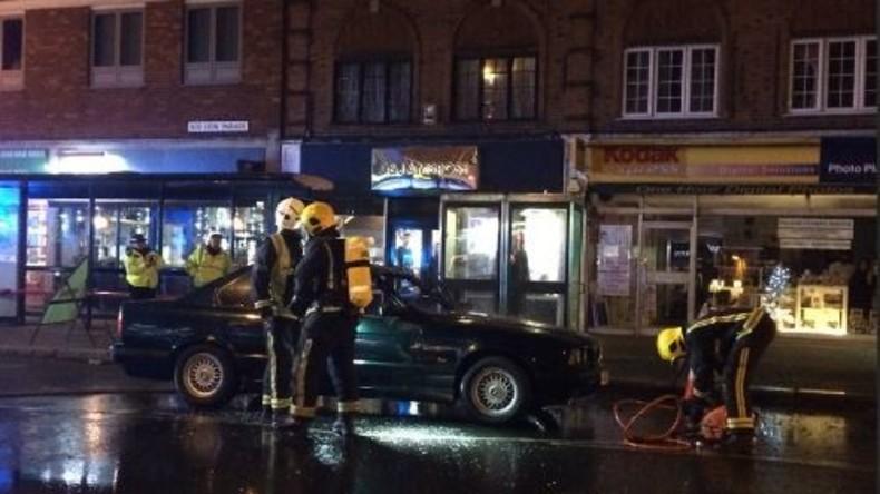 Auto-Explosion nahe eines Weihnachtsmarktes im Londoner Vorort Pinner