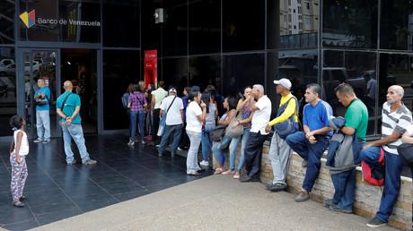 Raitingagenturen Fitch und S&P senken Venezuelas Bonitätsindex